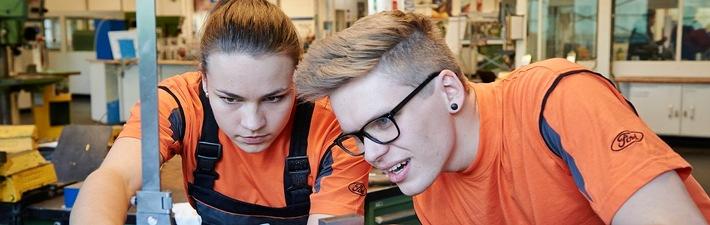 Roboter, Blinker & Co.: Ausbildungsabteilung der Ford-Werke Saarlouis öffnet ihre Tore für Besucher